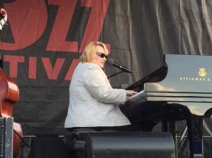 Diane Schuur1